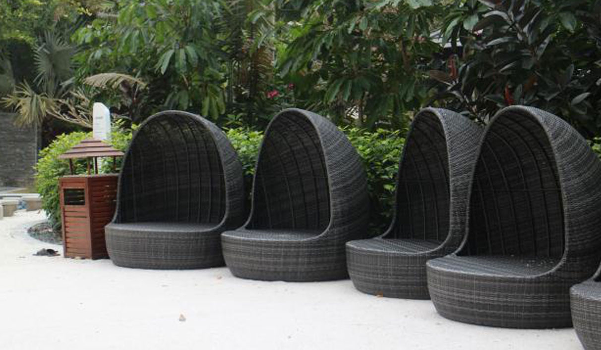 Outdoor PE Rattan Egg Chair Furniture for Holiday Resort