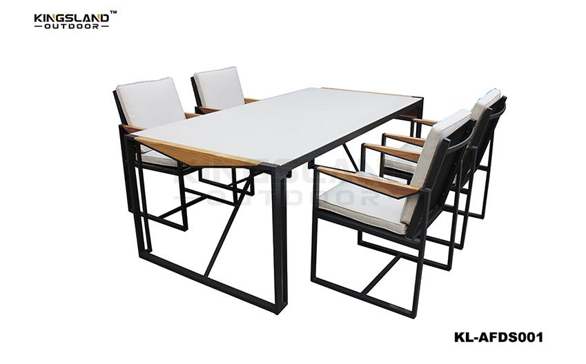 Aluminum frame spary-stone glass table top dining set with armchairs